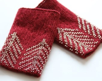 Traditional lithuanian hand knitted red beaded wrist warmers, red wool and glass beads, arm warmers, made in lithuania, ready to ship