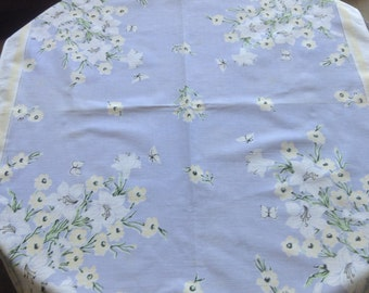 Vintage Polished Cotton 1950s Tablecloth, White Lilies, Yellow Flowers and Butterflies