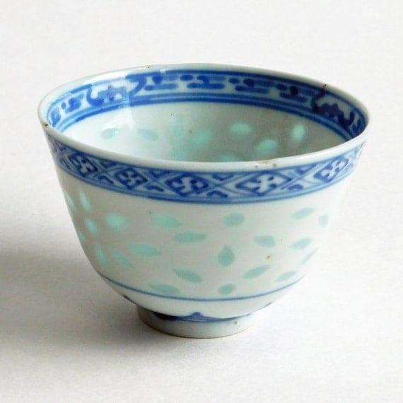 alte chinesische reis porzellan kleine blau wei e sch lchen. Black Bedroom Furniture Sets. Home Design Ideas