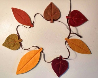 Fall Felt Leaf Garland - Mini (T)