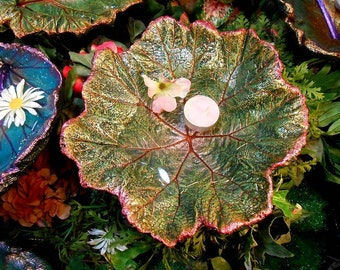 "Concrete Bird bath (feeder / sculpture) stands on a pole over flowers/shrubs - cement from a live Darmera leaf #6036, 10x9.5"" - Oregon Art"