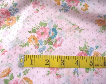 Vintage Pink Fabric, MOM, Cotton Fabric, Flowered Fabric, Thin Cotton Fabric,Almost 3 Yards,Sewing Supplies,Sewing Fabric,Lightweight Fabric
