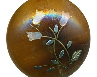 Button--Medium Size Victorian Horn with Pearl Inlay Tulips