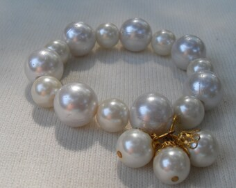 FREE SHIPPING Vintage Pearl Bracelet 2 Sizes Large Pearls Dangle 2 Pearls with Gold Beadcaps Stretch