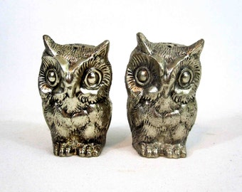 Vintage Metal Owl Salt and Pepper Shakers. Made in Japan. Circa 1960's.