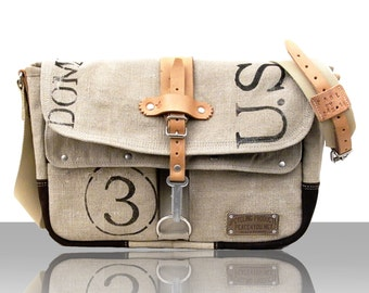 Postbag Canvas Designer Messenger // Handmade & Upcycled by peace4you, GERMANY // Model paul-2088 ( multiple options )