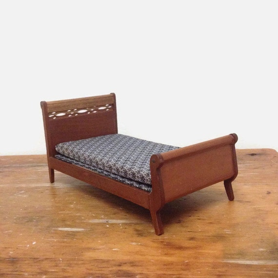 Vintage Miniature Shackman Bed with Headboard & Footboard - Collectible Dollhouse Furniture