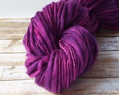 Slub Yarn, Thick and Thin Yarn, Hand Dyed Merino Yarn, Hand dyed Slub Yarn, Hand painted slub yarn, baby prop yarn, Orchid