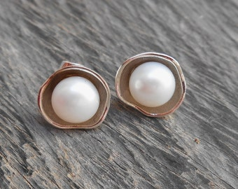 Classic white pearl Sterling Silver stud Earrings / Bali handmade jewelry / silver 925