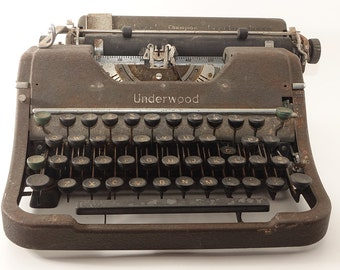Classic Vintage Underwood Champion Typewriter G1980 Antique