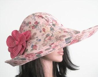 Beige Floral Wide Brim Sun Hat with Pink Flower