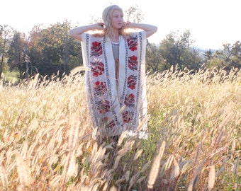 Vintage 1970s Tribal Knit Shawl Poncho Kaftan Jacket Fringe Ethnic Hippie Bohemian Aztec Novelty Print Unique OSFA One Size