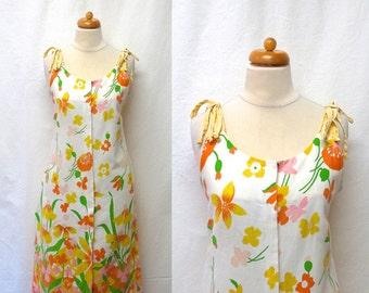 1960s Vintage Cotton Pique Sundress / Wildflower Print Dress
