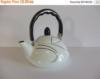 SUMMER Sales Event Vintage Teapot - Retro Tea Pot - Black and White
