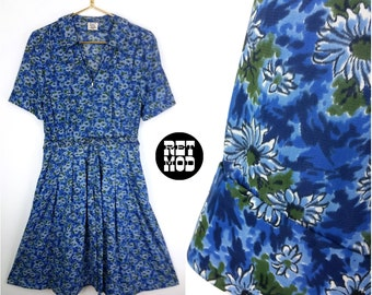 Comfy Casual Vintage 60s Nylon Dress with Blue & Green Floral Pattern - PLUS SIZE!