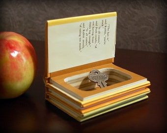 Hollow Book Safe (Miniature Winnie the Pooh)