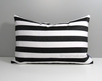 Black & White Striped Pillow Cover, Modern Outdoor Pillow Cover, Decorative Pillow Cover, Sunbrella Accent, Throw Cushion Cover, Mazizmuse
