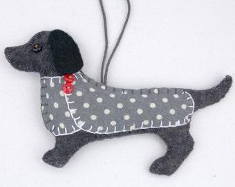 Dog Christmas Ornament, Dachshund Christmas ornament, Felt dog ornament, Dachshund decoration, Handmade felt Dachshund, Weiner dog,Clara