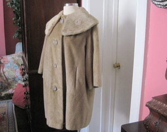Faux Fur Camel colored Coat size 14 size 16 Plus Vintage