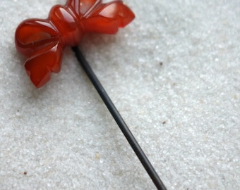 Antique Butterscotch Amber Carved Bow Stick Pin