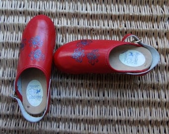 1970's, authentic Dala clog, with bees! size 37