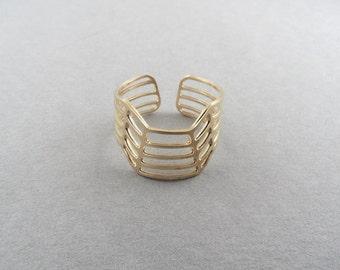 3d ring, striped ring, gold ring