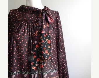 ON SALE vintage. 70s Dark Print Secretary Dress / S M L