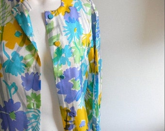 ON SALE vintage.  DEADSTOCK 60s Floral Silk Jacket // S to M