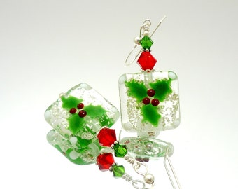 Holly Earrings, Christmas Earrings, Holiday Earrings, Winter Earrings, Lampwork Earrings, Beadwork Earrings, Mistletoe Earrings, Red & Green