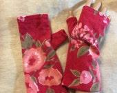 D39 red floral Cashmere arm warmer women girls vslentine Fingerless gloves  upcycled  Cashmere Fingerless Mittens Wrist Warmers Cashmere arm