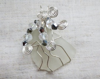 Beautiful silver plated wire wrap swarovski crystal beads Hudson River white sea glass pendant. Boho chic beach seaglass beachglass pendent.
