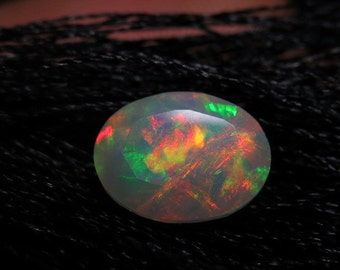 Ethiopian Welo OPAL - AAAAAAAAAA - High Quality Fine Cut Faceted Oval Stone Full Flashy Color Full Fire size - 7x9 mm