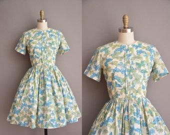 50s buttery fly print full skirt vintage dress / vintage 1950s dress