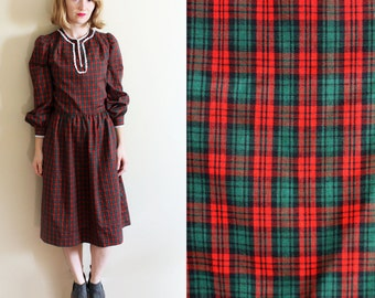 vintage dress 70's christmas plaid red green crochet trim handmade 1970s womens clothing size small s