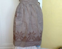 Vintage hostess apron Chicken Scratch Cross Stitch Gingham Brown Check