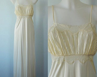 Vintage Nightgown, Vintage Cream Nightgown, Linda Lingerie, 1980s Nightgown, Vintage Lingerie, Wedding, Romantic, Nightgown