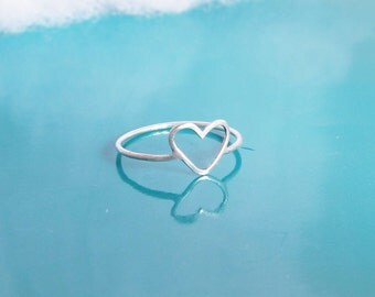 Simple Heart Ring-Dainty Heart Jewelry-Best Friend Ring-Best Friend Gift-Minimal Heart Ring-Love Gift-Sterling Silver-Gold