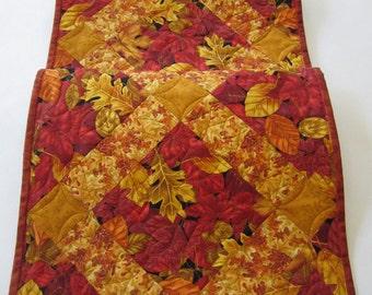 Quilted Table Runner, Handmade Table Runner, Fall Table Runner, Leaves, Table Linen, Autumn Colors, Home Decor, Fall Decor