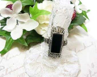 Breathtaking marcasite ring with paste Onyx in Art Deco style || ОНИКС 140V