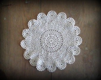 Boho Wedding Decor Vintage Doily Crocheted Round Doilie Farmhouse Decor Rustic Decor DIY Bunting
