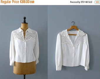 40% OFF SALE // Vintage lace blouse. 60s scallopped lace white blouse