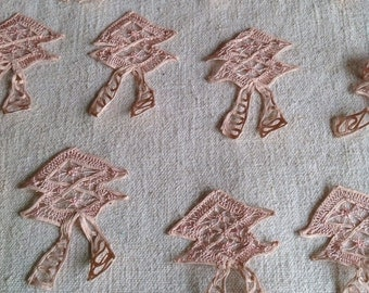 Vintage Lace Appliqués. Art Deco Pink laces/  5 pc Vintage Wedding Furnishings Home Decor