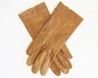 25% OFF SALE Vintage 1950's Brown Soft Kid Leather Wrist Gloves