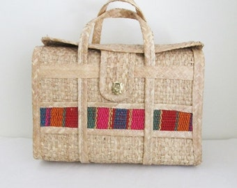 40% OFF SALE Vintage 1970's Straw Beach Handbag Tote / Large Style Mexico Summer Vacation Luggage Bag