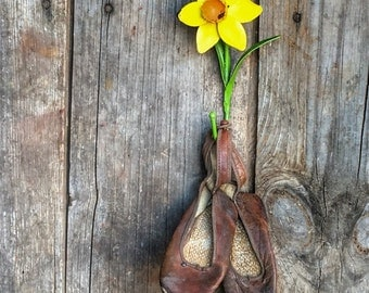 Vintage Tole Daffodil Flower Metal Wall Hook