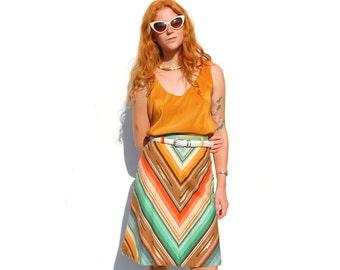 Rainbow chevron print A-line knee length skirt PETITE 1970s 70s VINTAGE