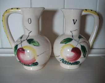 pretty vintage ceramic oil and vinegar pitchers