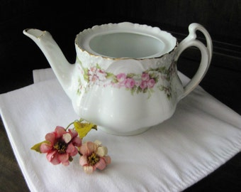 Z S & Co. Tea Pot / Roses