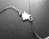 Wolf Choker Necklace in Silver - Lone