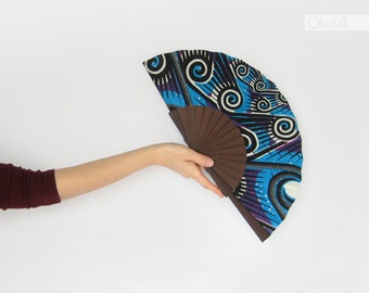 Wax print hand fan with case - Spirals Blue